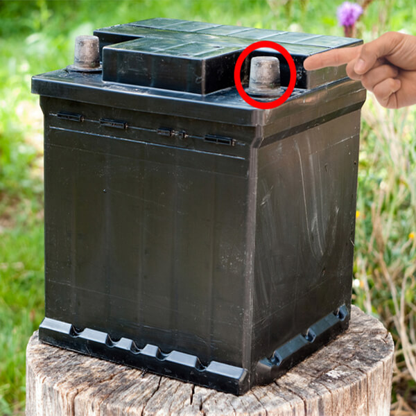image of a car battery